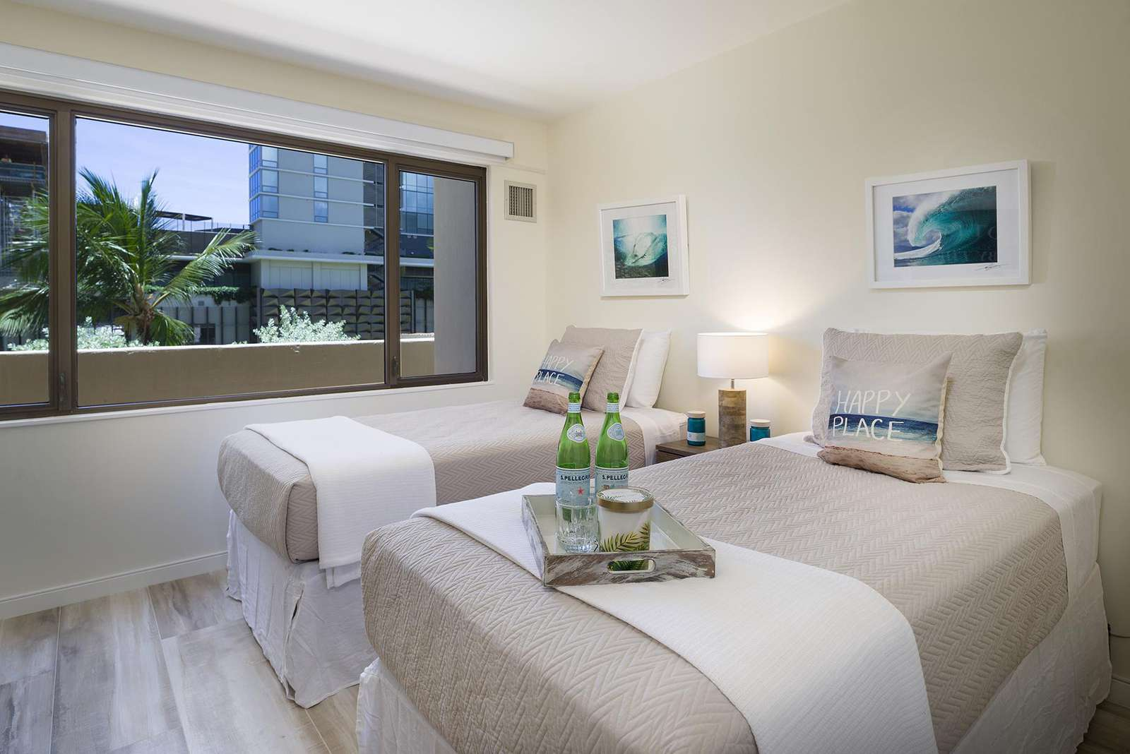 Waikiki One Bedroom Condo with Free Wifi, Cable, and Parking!