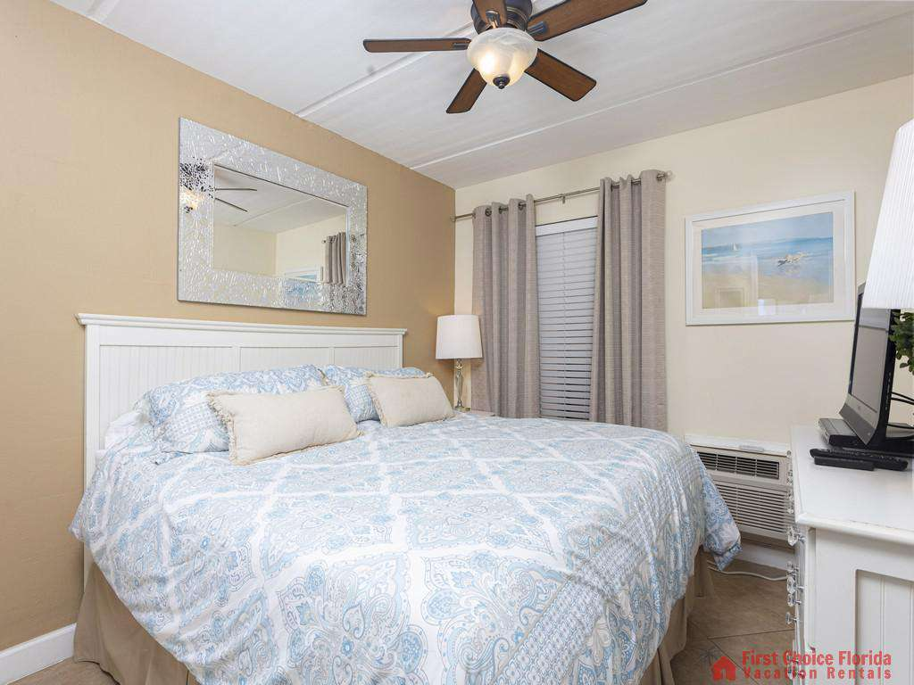 Beachers 232 - King Bed