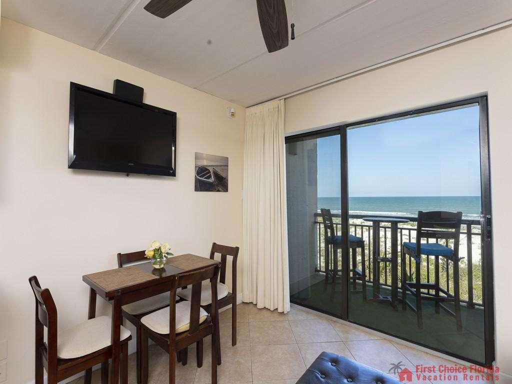 Beachers 232 - Dining Area and Balcony