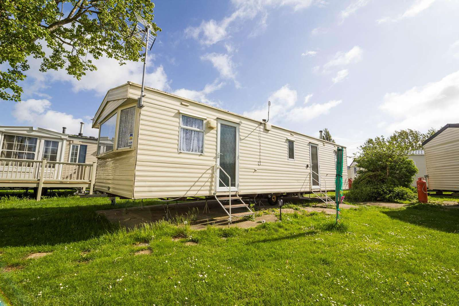 27050R – Seawick, 3 bed, 8 berth caravan with unlimited WiFi. Sapphire rated. - property