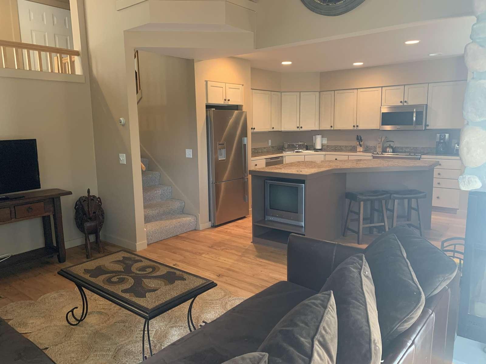 Kingswood 33B - property