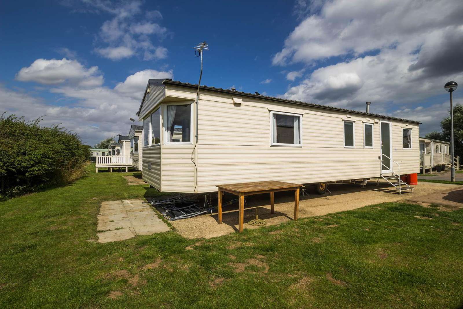 41028SF – Southfield area, 3 bed, 8 berth caravan with panel heating. Emerald rated. - property
