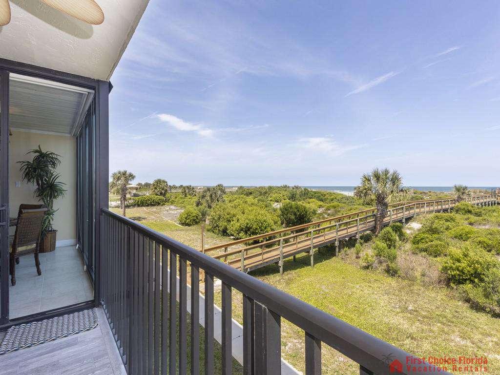 Captains Quarters - Oceanfront Balcony
