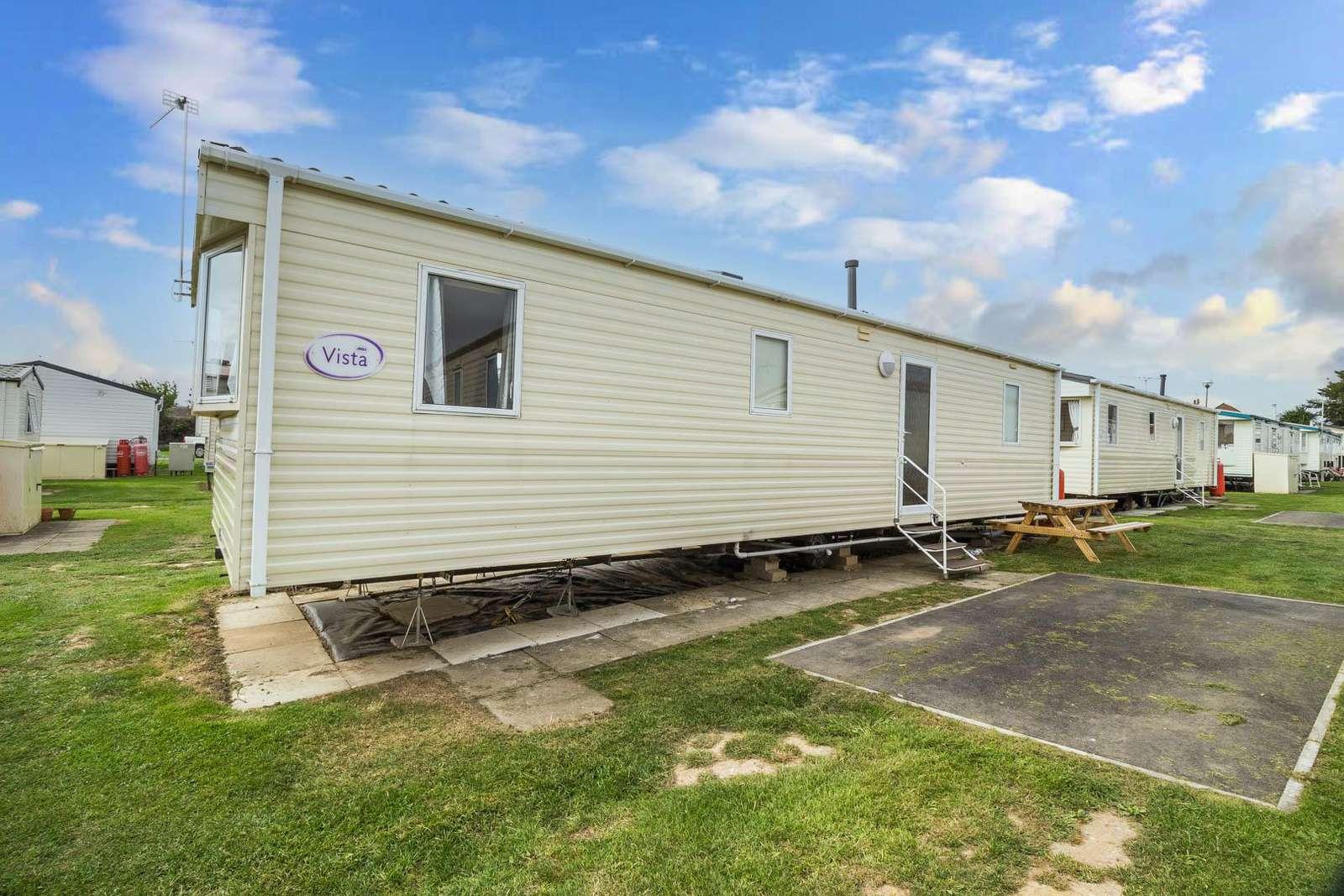 50053H – Heron area, 3 bed, 8 berth caravan. Emerald rated. - property