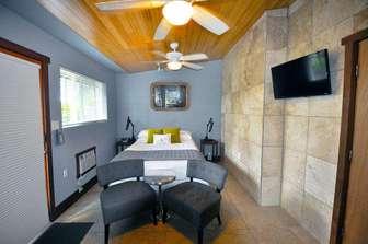 Bedroom #2 with queen bed. thumb