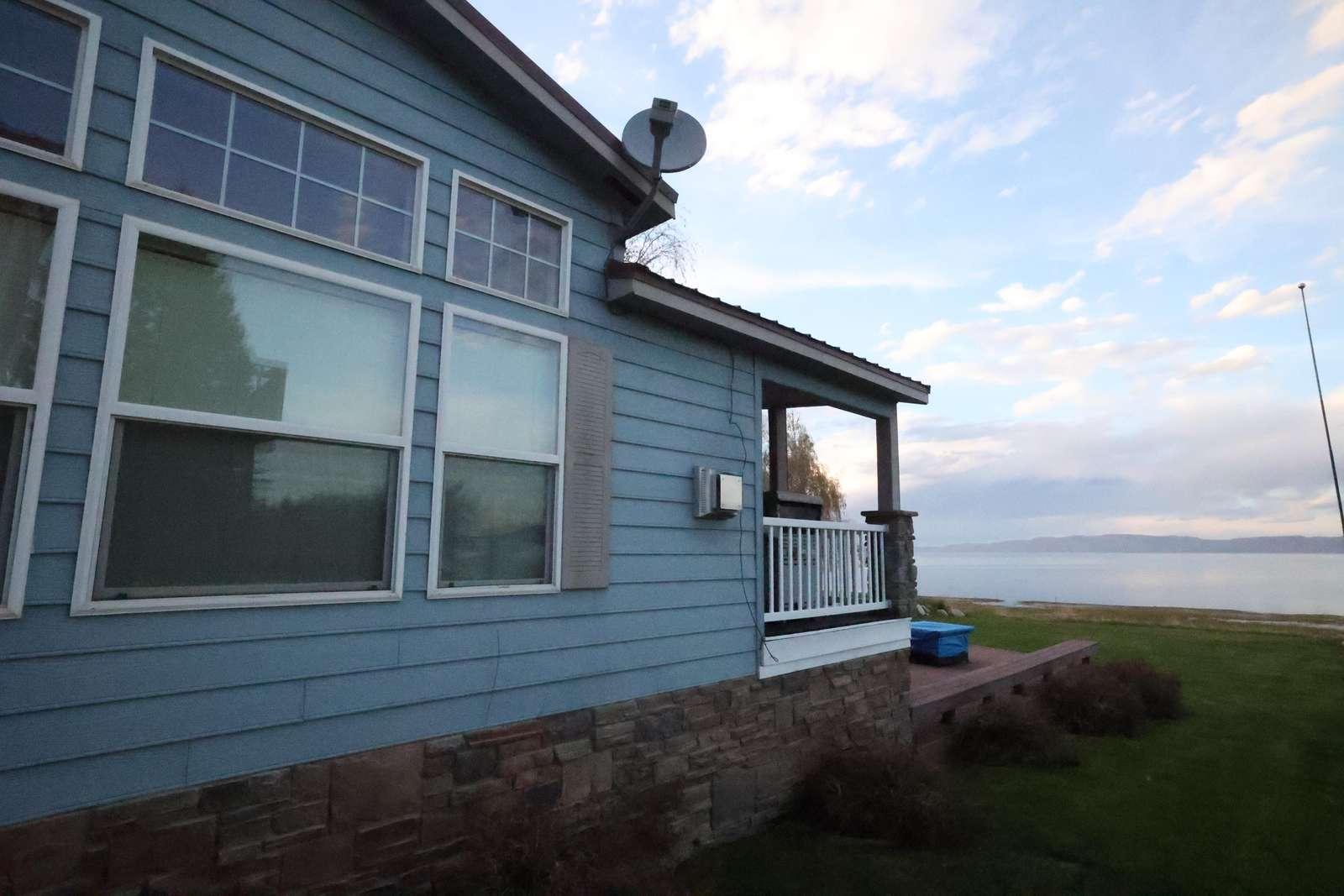 Lakehouse - property