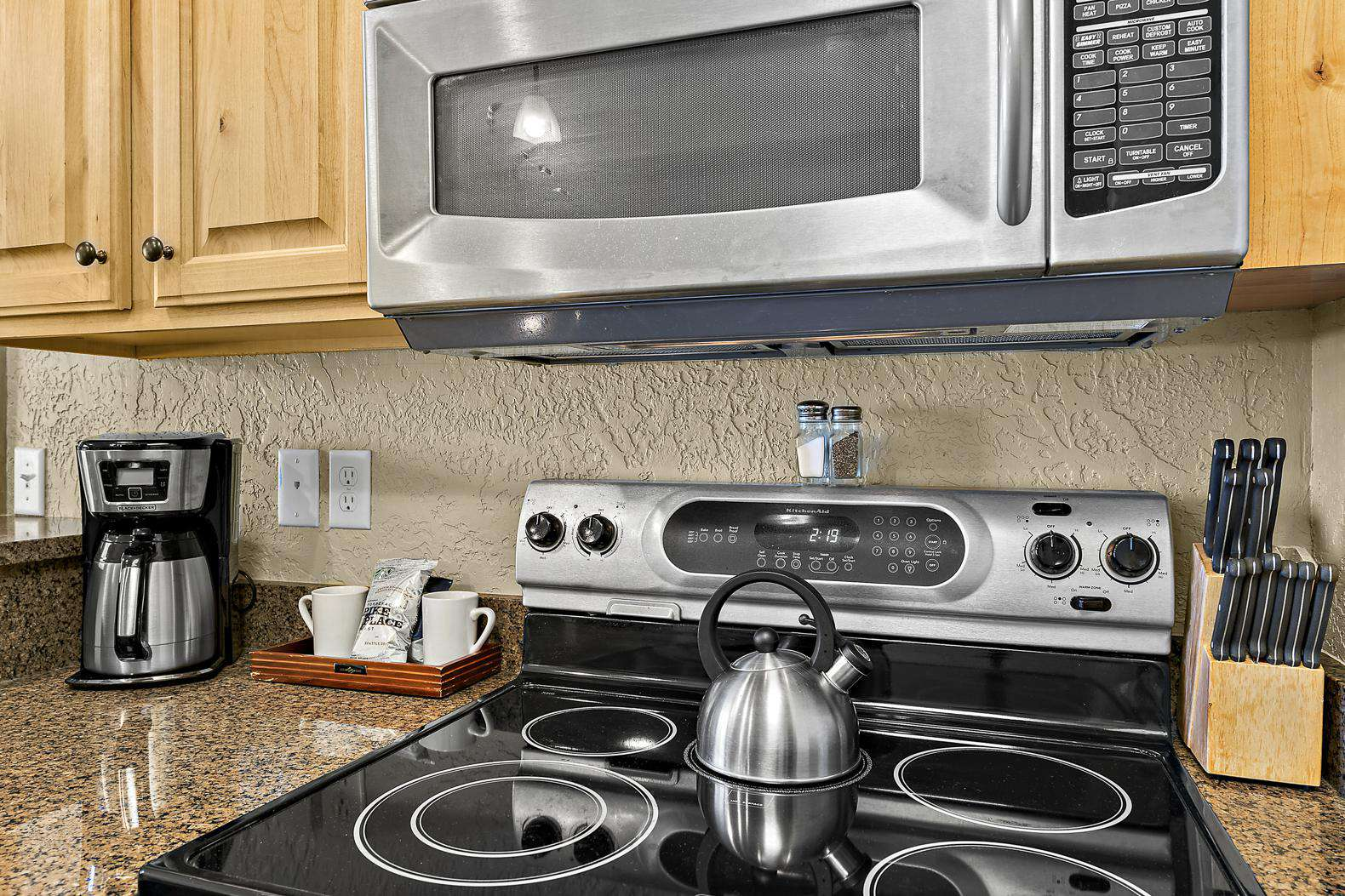 Oven/Range, microwave, and coffee maker