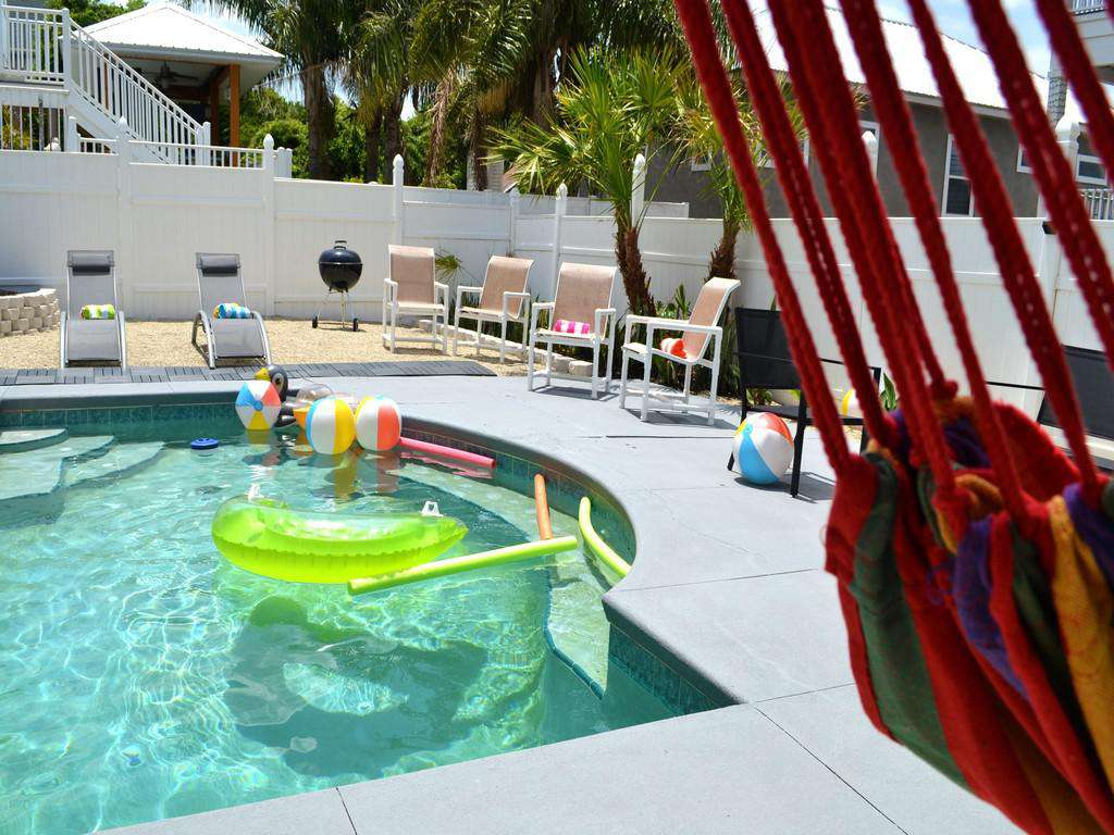 Purple Pelican - Pool and Deck