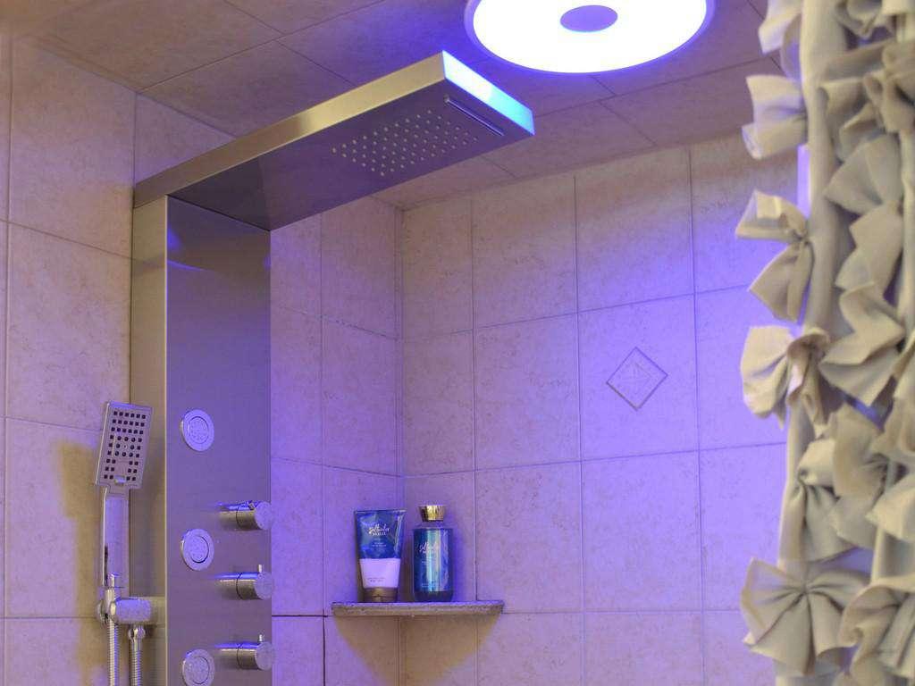 Purple Pelican - Master Bathroom