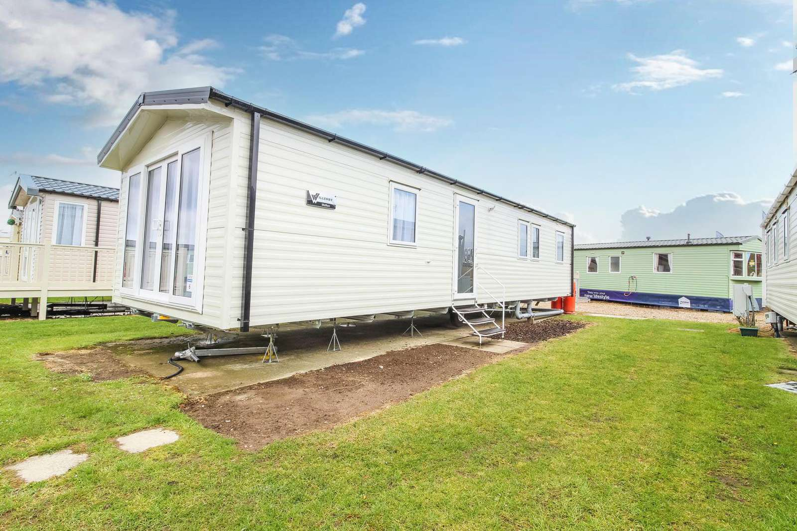 50006A – Albatross area, 3 bed, 8 berth caravan with D/G & C/H. Diamond Rated. - property