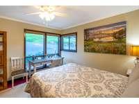 Bedroom 2 (King) thumb