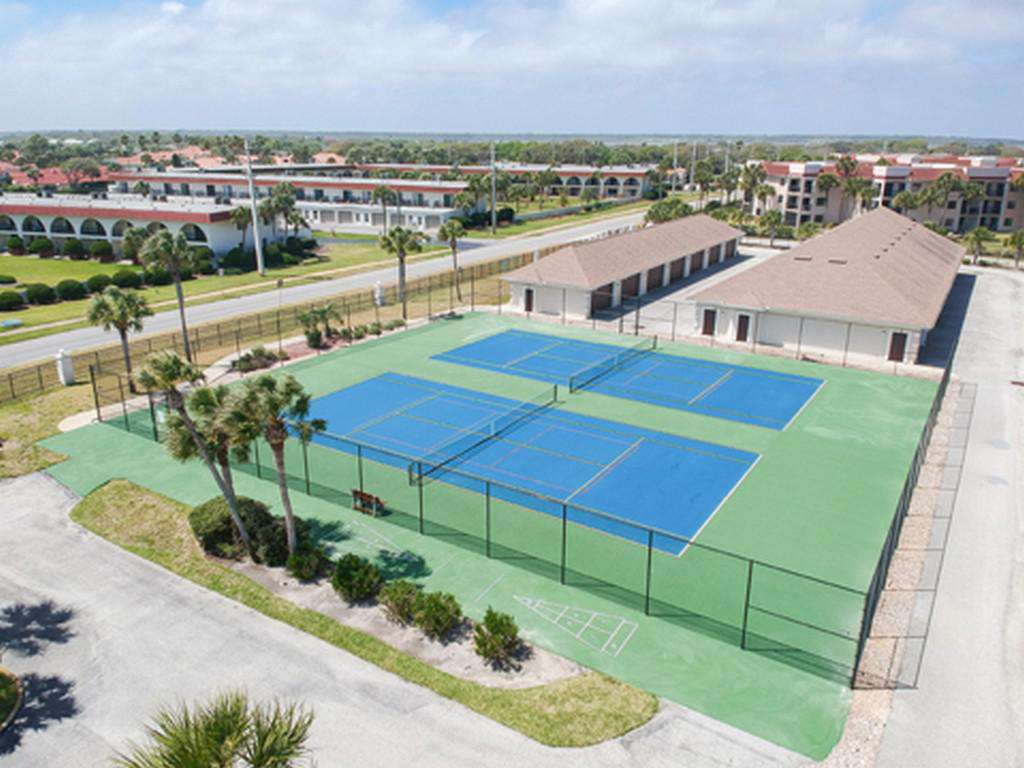 Anastasia Condos - Tennis Courts