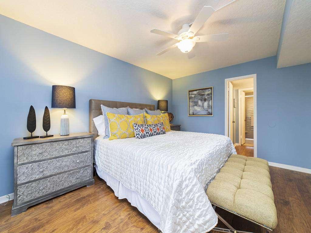 Anastasia Condos - Master Bedroom with En'Suite Bath