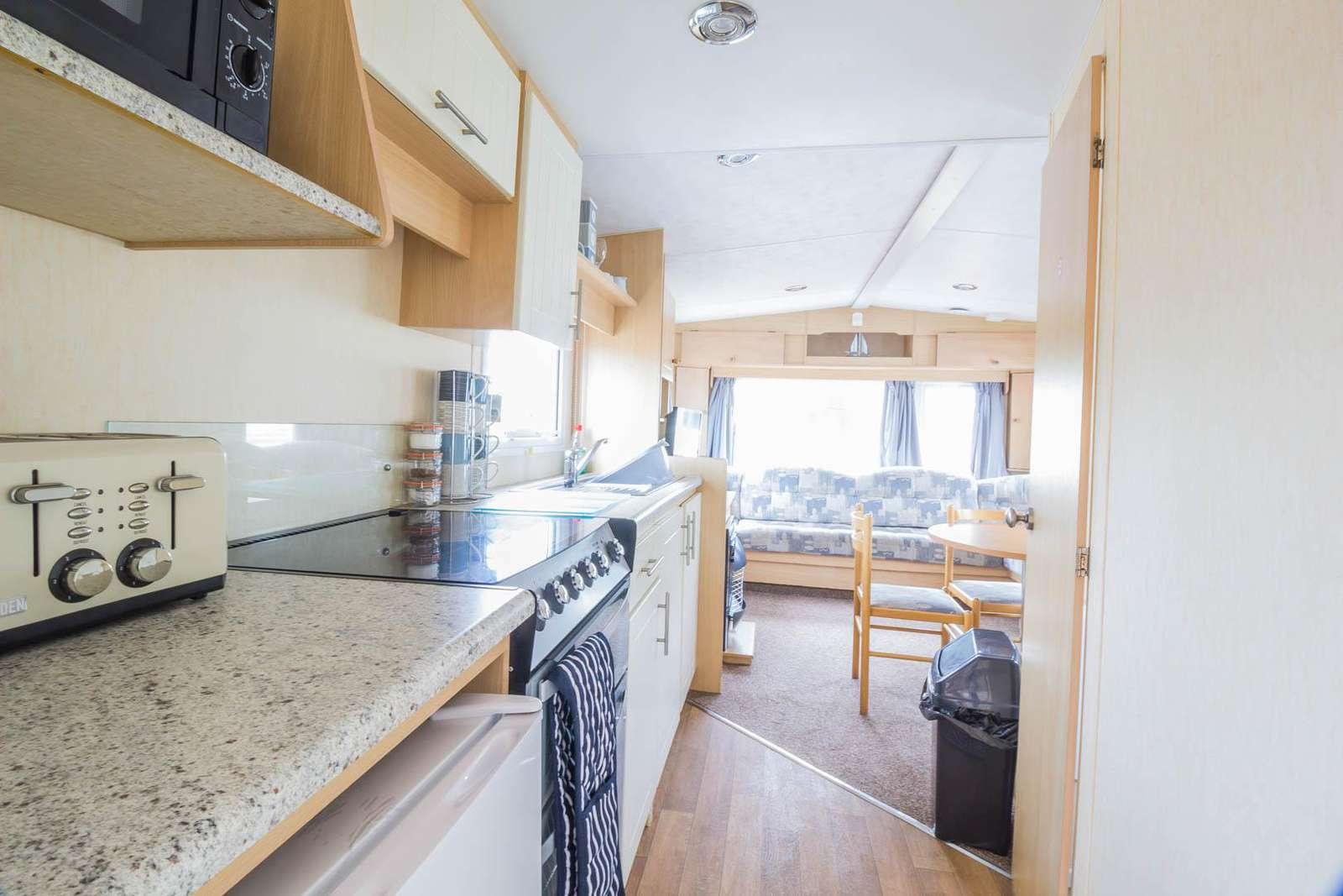 50006D – Dunlin area, 2 bed, 4 berth caravan near park amenities. Emerald Rated. - property