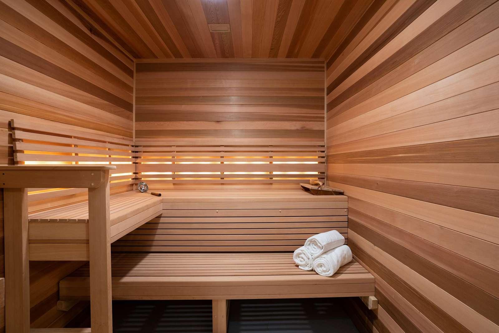 Club Sauna