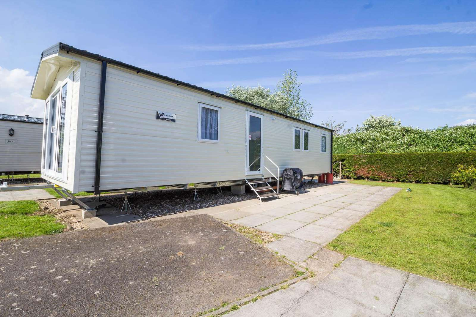 33040S – Springs area, 3 bed, 8 berth caravan close to amenities. Ruby rated. - property
