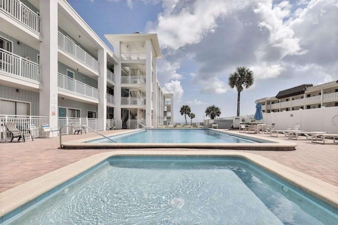 2nd floor, 1 bedroom Coastal Waters Condo - property