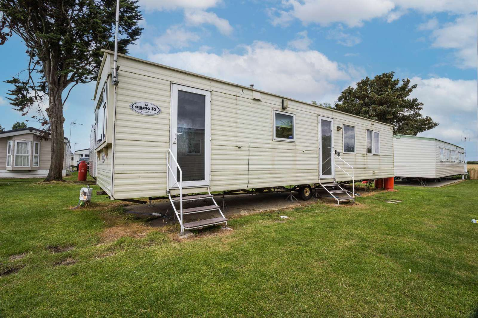 27022S – S area, Seawick, 3 bed, 8 berth caravan. Emerald rated. - property