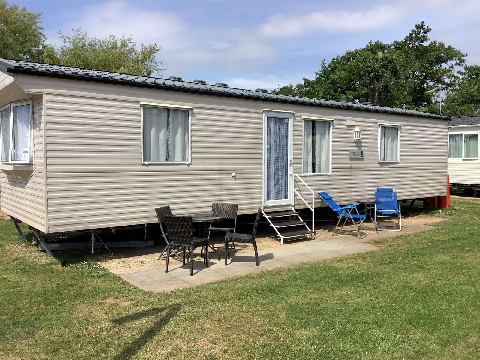 23004A- Anmer area, 2 bed, 6 berth caravan near to park amenities. Ruby rated. - property