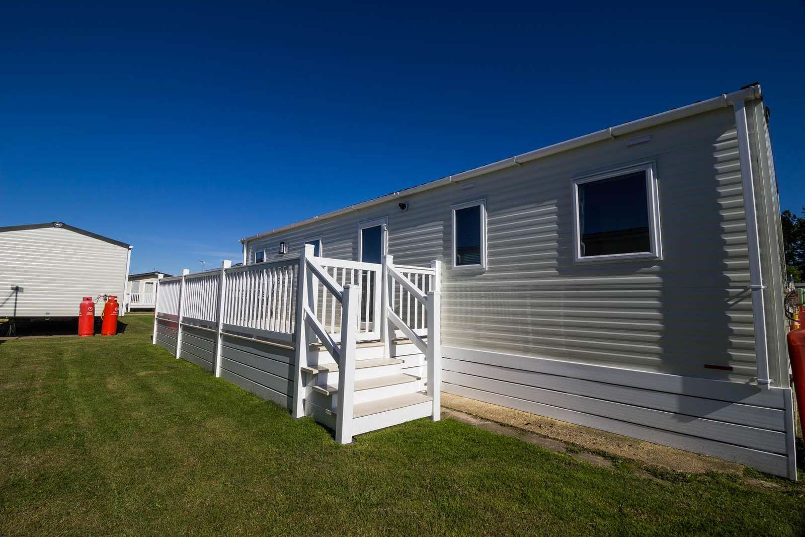 20183BS – Broadland Sands, 3 bed, 8 berth caravan with decking and free WiFi. Diamond-Plus rated. - property