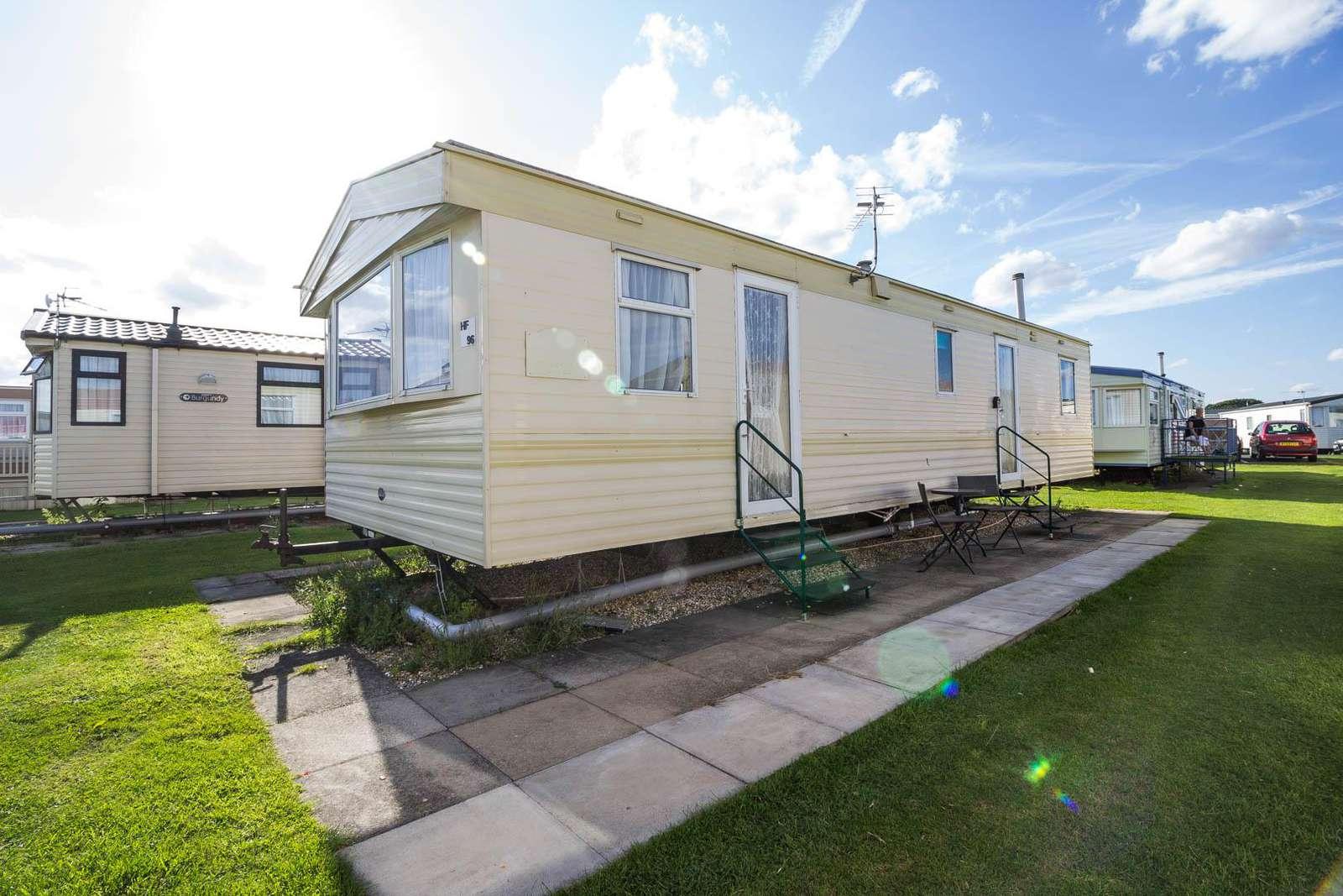 64096HF – Hadrian's Field, 3 bed, 8 berth caravan. Emerald rated. - property