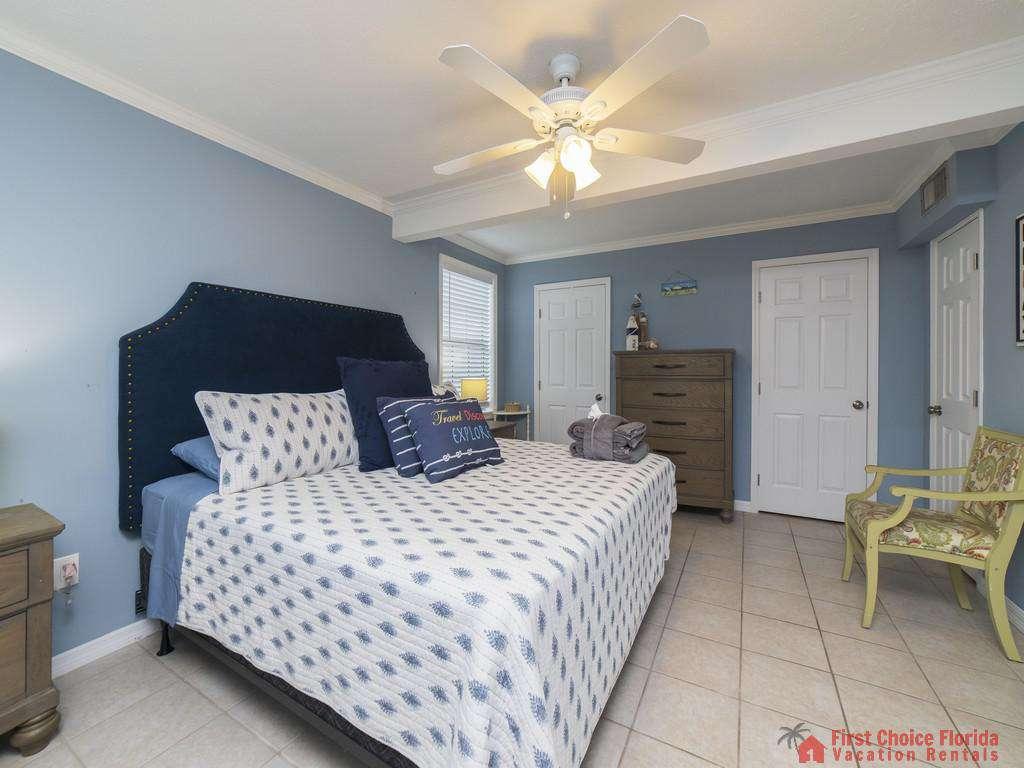 Sandy Feet Retreat - Primary Bedroom