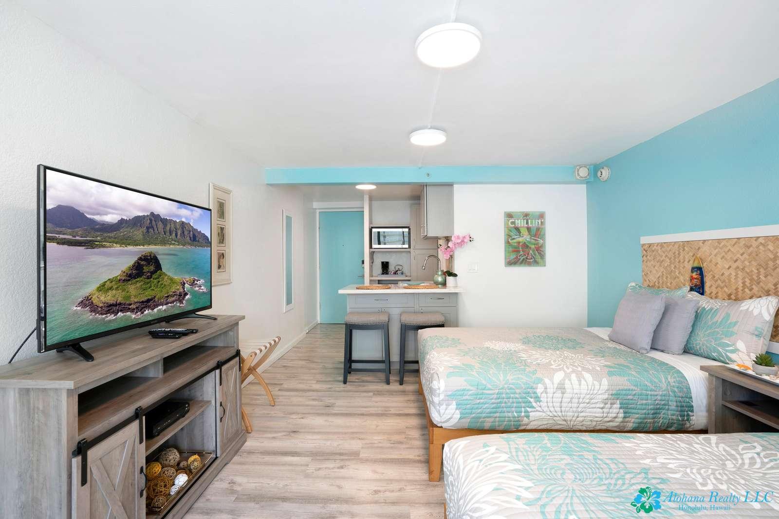 Beautifully remodeled Island Colony studio