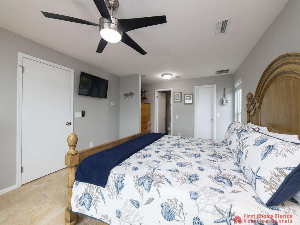 Sea Renity Bed with Fan and TV