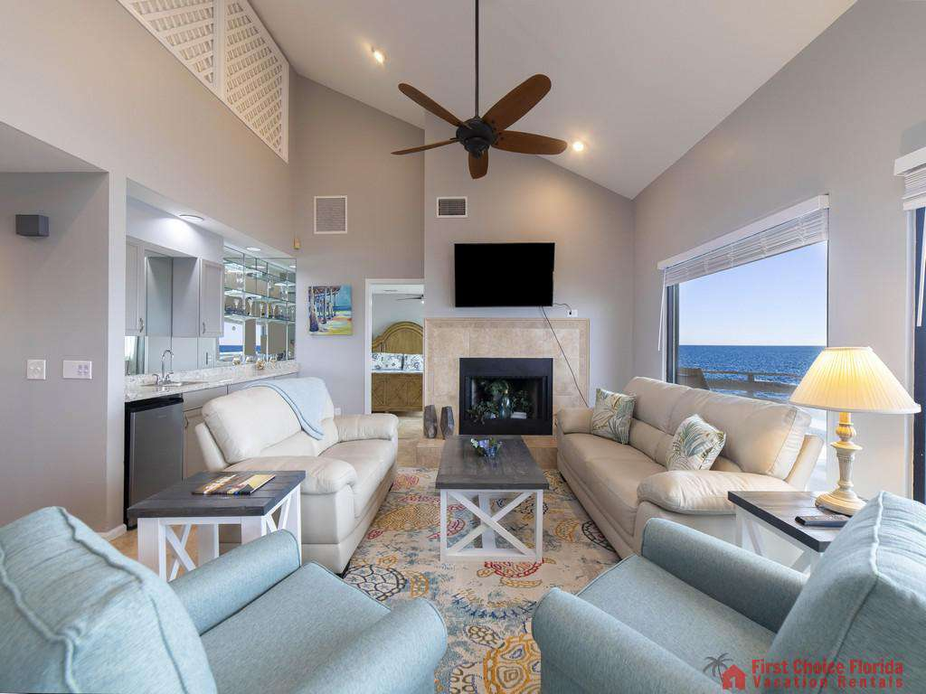 Sea Renity Living Room with TV