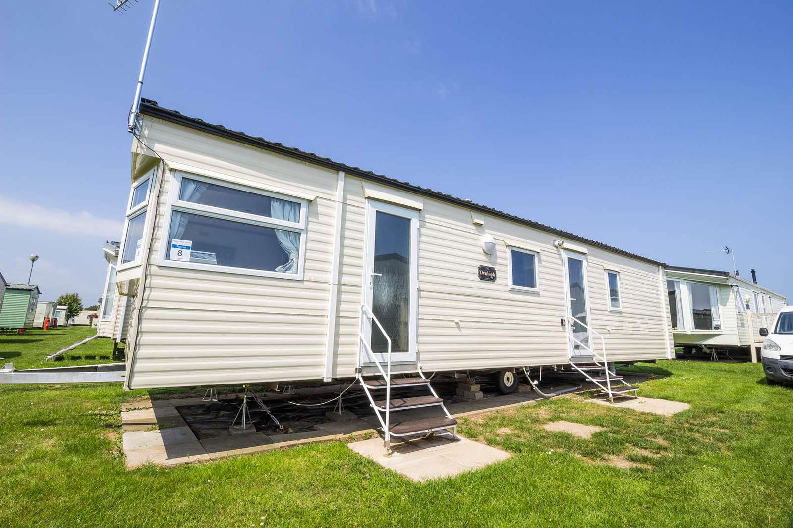 50008F – Fulmar area, 2 bed, 6 berth caravan with D/G & C/H. Ruby rated. - property