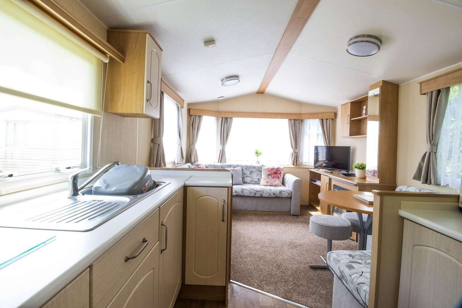 50064H – Heron area, 3 bed, 8 berth caravan with PlayStation. Emerald rated. - property