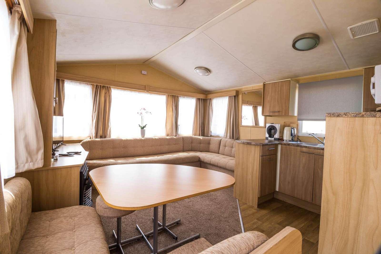 50005D – Dunlin area, 2 bed, 6 berth caravan near park amenities. Ruby Rated. - property