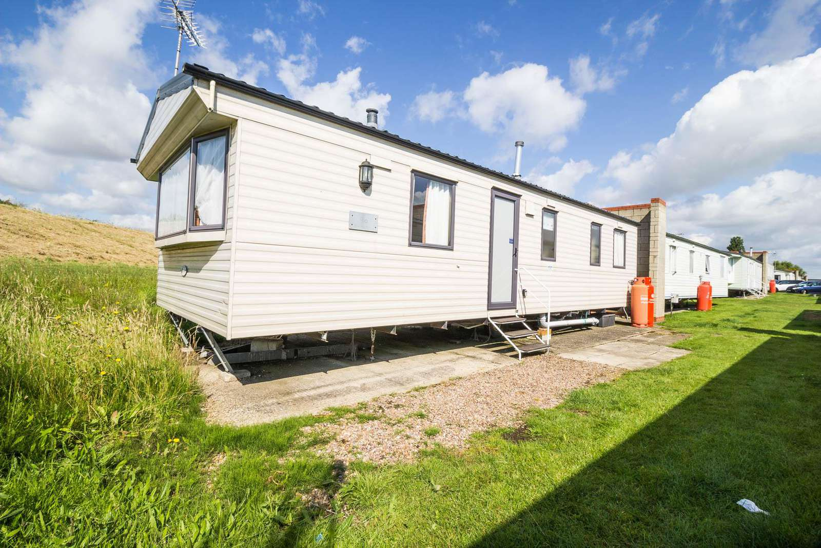 17275C – Conifers area, 2 bed, 6 berth caravan. Emerald rated. - property