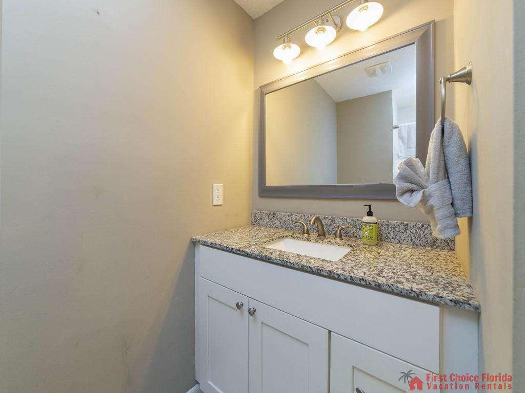 Island Retreat Unit D Bathroom Vanity