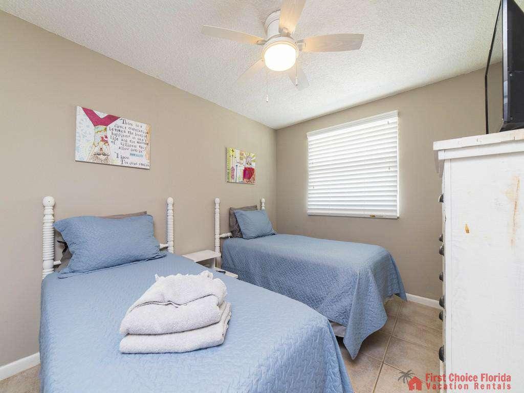 Island Retreat Unit D Bedroom