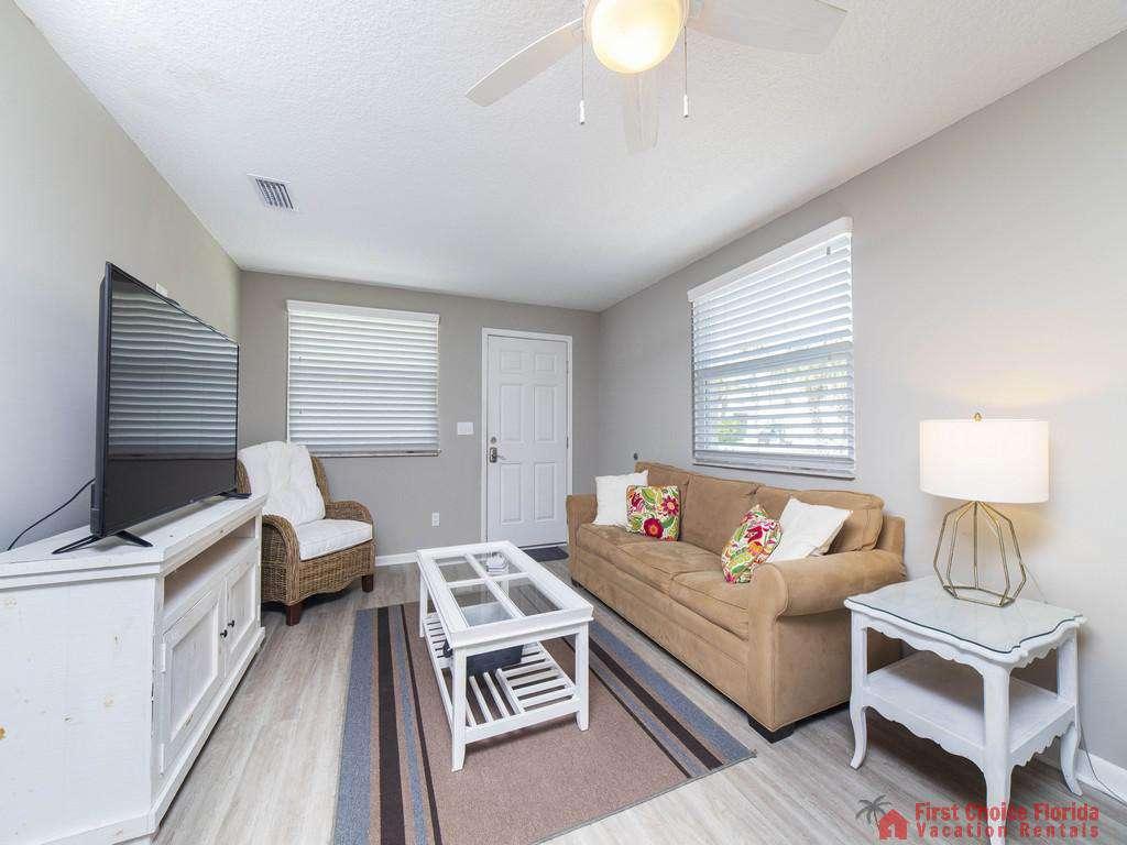 Island Retreat Unit D Living Room Entry