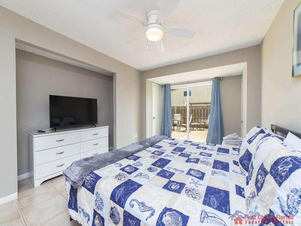 Island Retreat Unit D Master Bedroom with Window