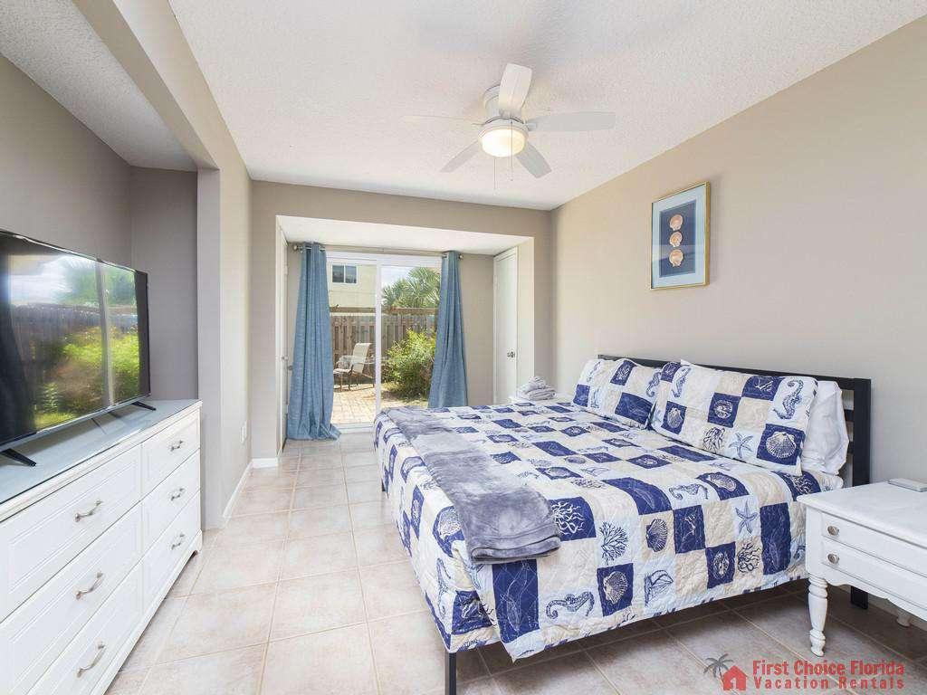 Island Retreat Unit D Master Bedroom