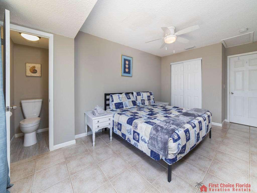 Island Retreat Unit D Master Bedroom with Bathroom