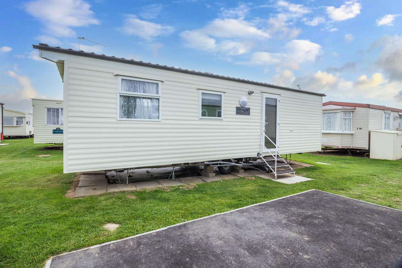 50057E – Eagle area, 2 bed, 6 berth caravan with D/G & C/H. Ruby rated. - property