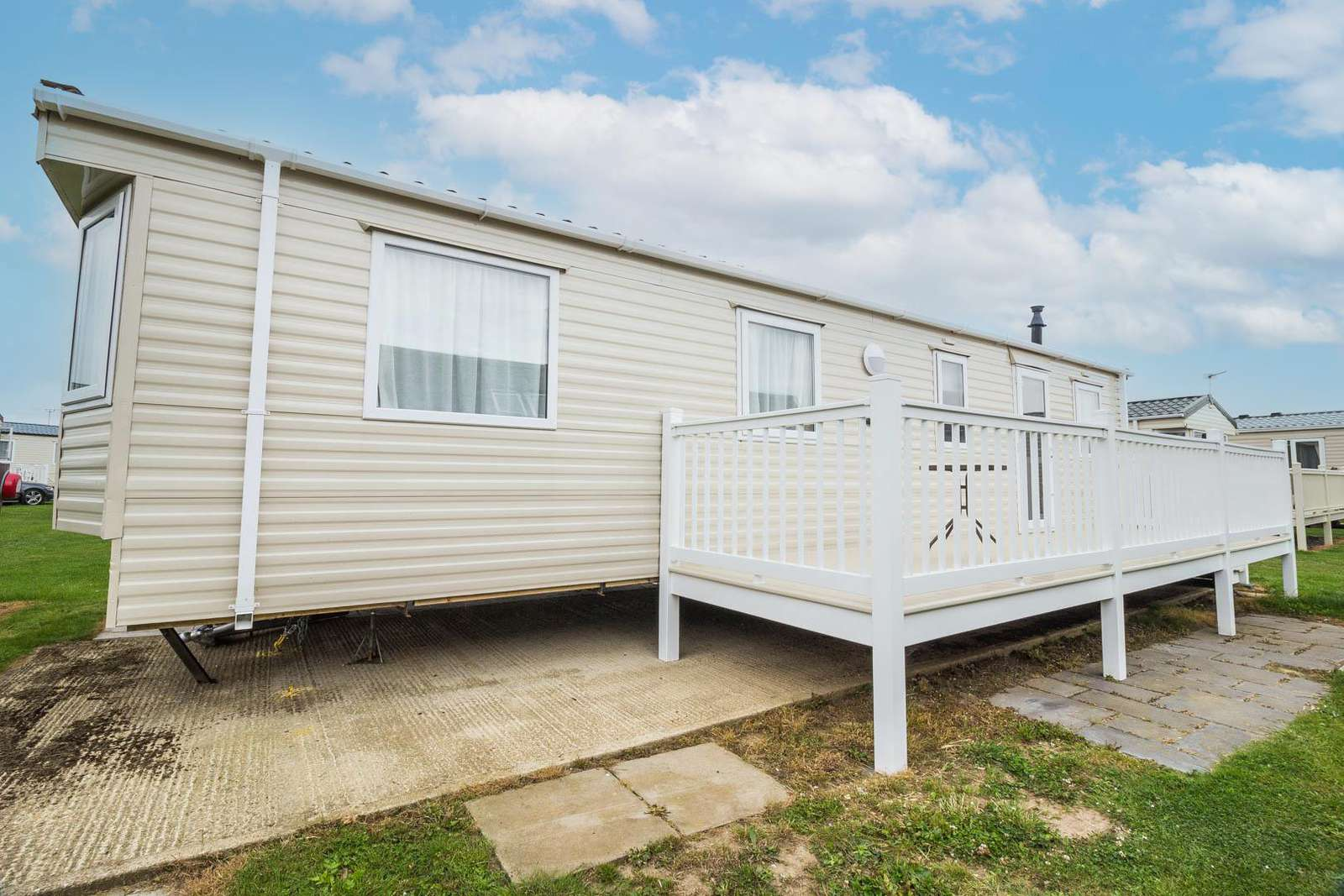 50057G – Grouse area, 2 bed, 6 berth caravan with decking. Diamond rated. - property