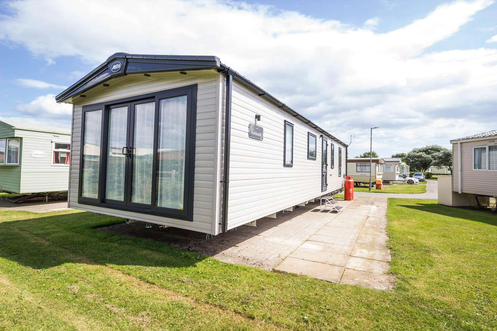 41072SF- South Field are, 3 bed, 8 berth lodge with decking. Platinum rated. - property