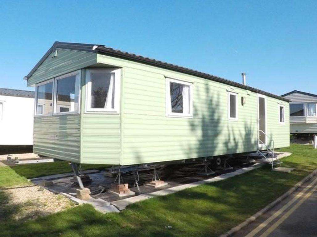 46119PL – Pasture Lane area, 3 bed, 8 berth caravan. Emerald rated. - property