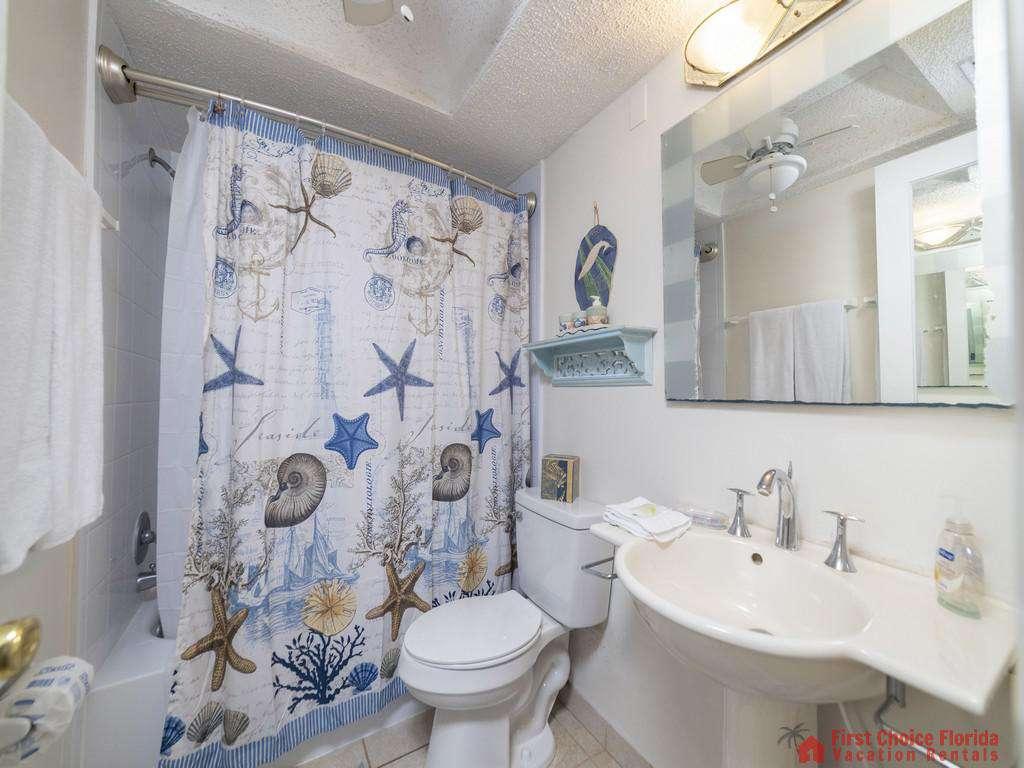 Anastasia Condo - Guest Bathroom