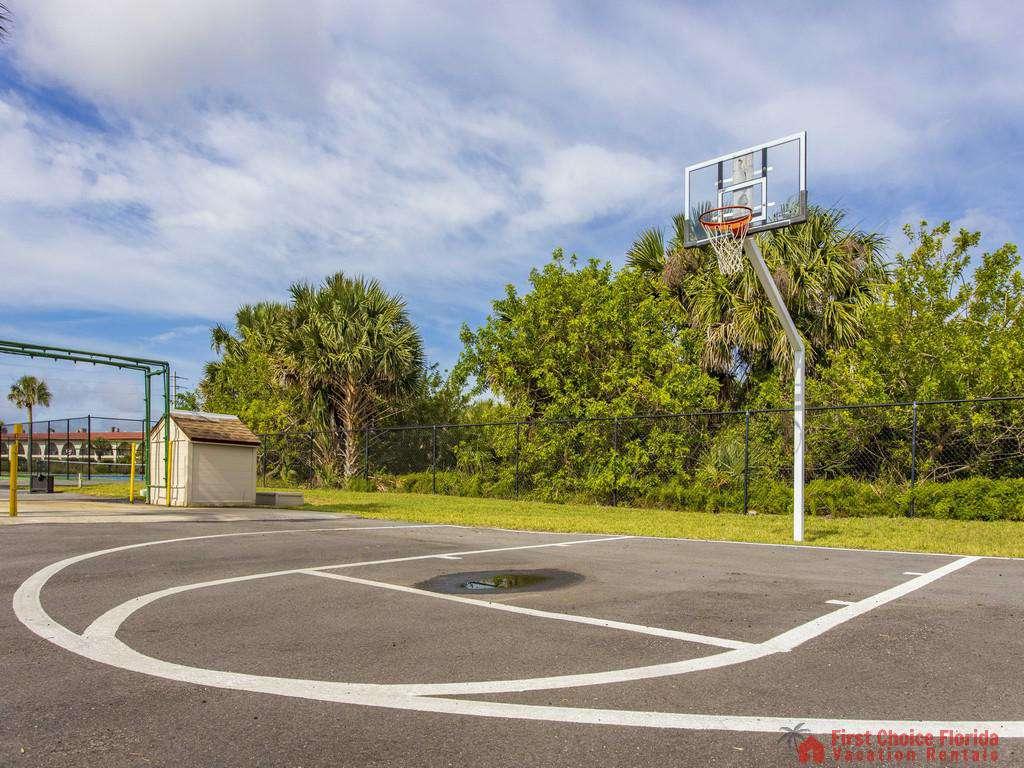 Anastasia Condo - Basketball Court