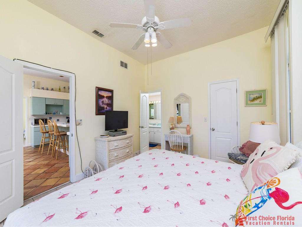 Margarativille Bed to Kitchen