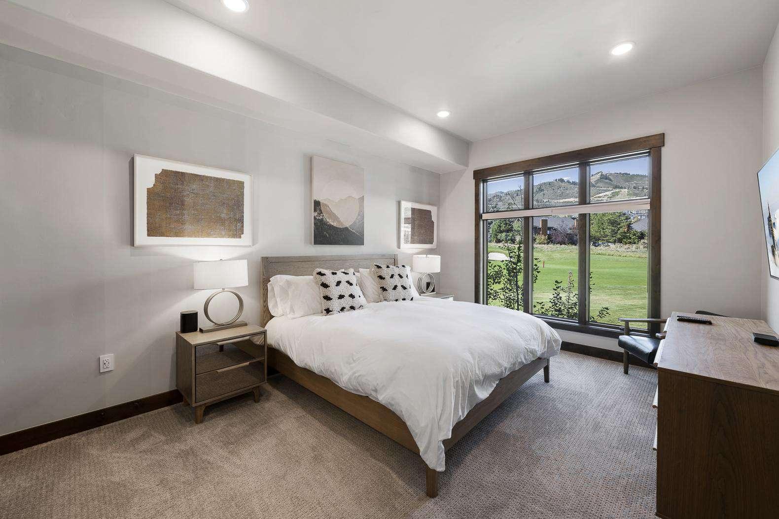 Guest Bedroom w/Natural Light