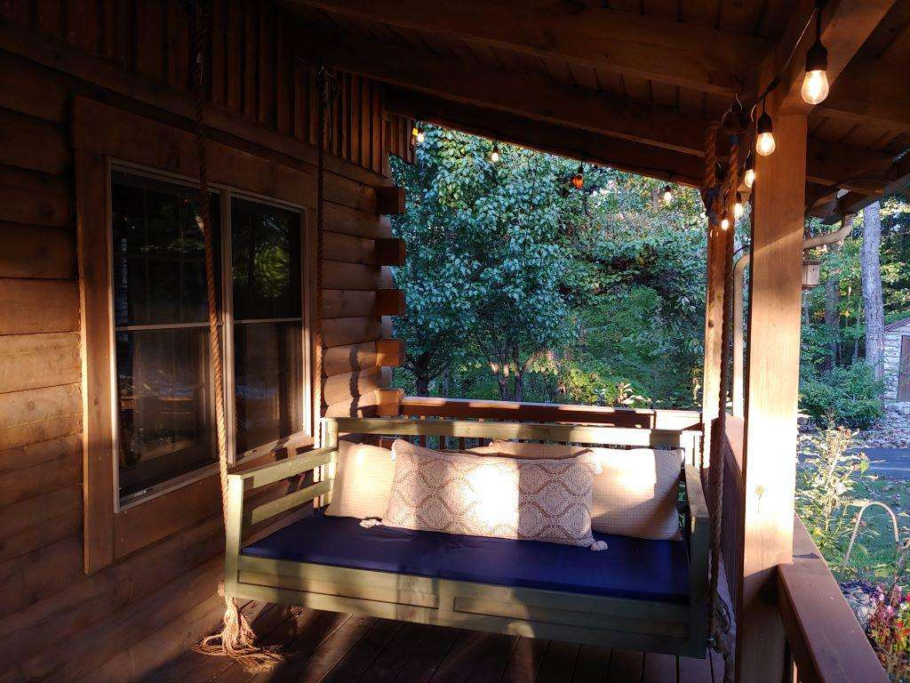 Cherry Trails Cabin Front Porch