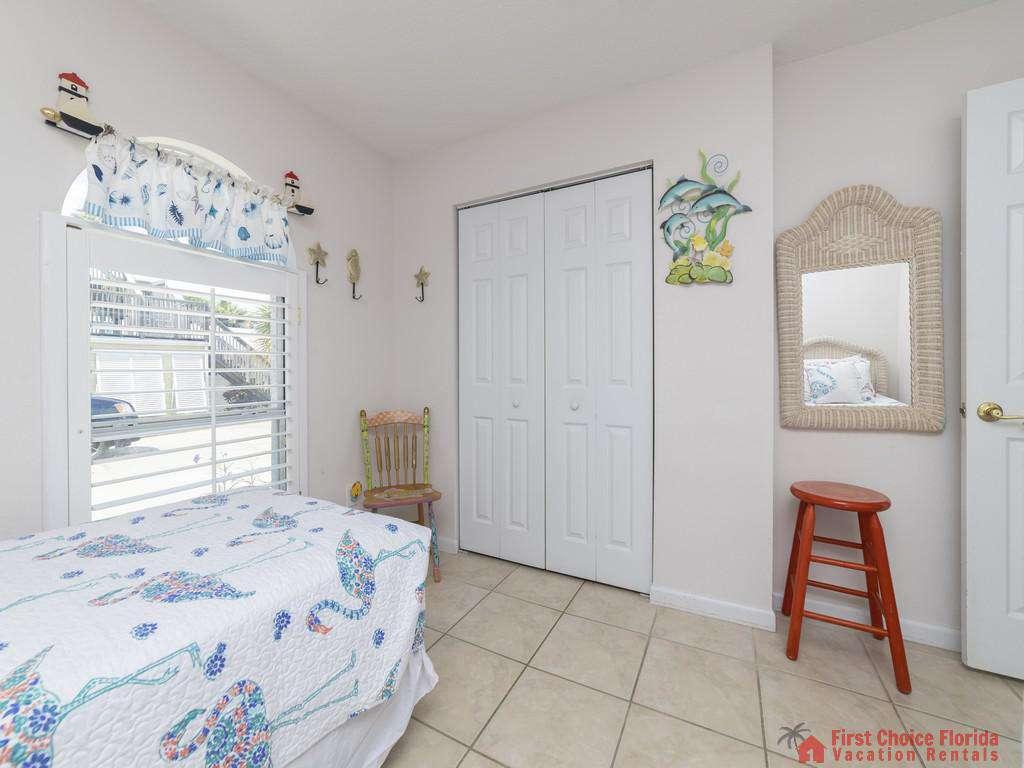 Athena By The Sea Bedroom Closet