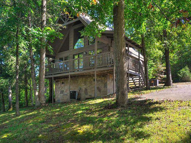 Tucked-Away – Country Pines Resort (2 BR) - property